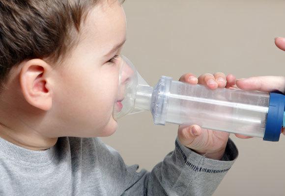 Ингаляции при влажном или мокром кашле: с чем можно делать детям и взрослым