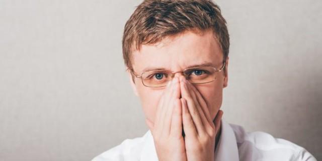 Перелом носа со смещением и без: признаки, симптомы и лечение