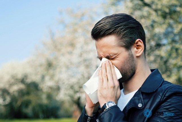 Почему закладывает нос после алкоголя когда пьешь?