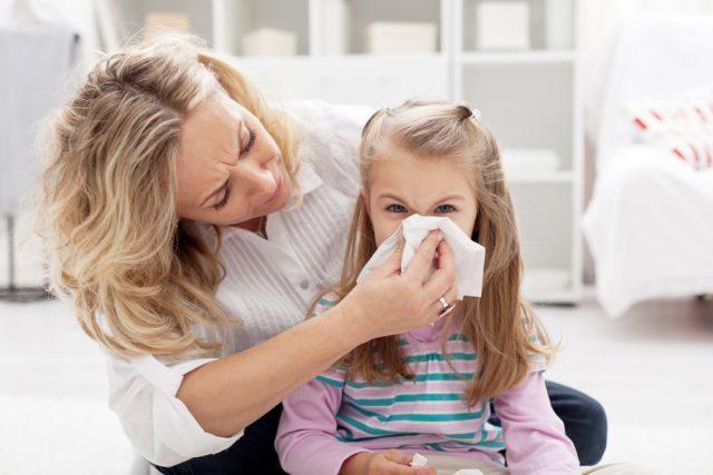 «Цефтриаксон» при ангине у взрослых и детей: дозировка и сколько дней колоть
