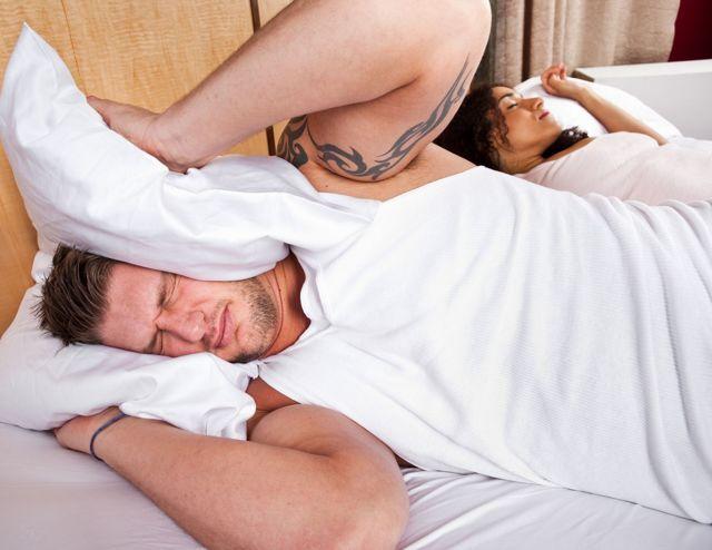 Как избавиться от храпа во сне мужчине и женщине в домашних условиях