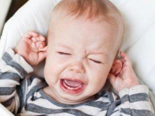 У ребенка болит ухо: что делать в домашних условиях, обезболивающее