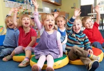Можно ли водить ребенка в сад с соплями и насморком?