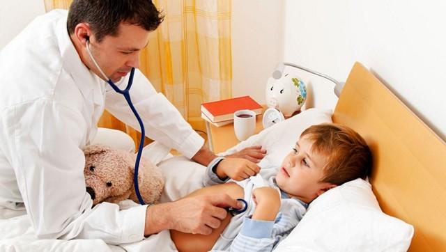 Лейкопения у детей: причины, лечение и симптомы
