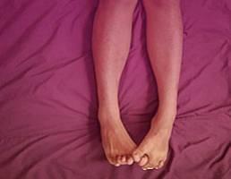 Как укрепить сосуды на ногах и чем можно улучшить прочность их стенок