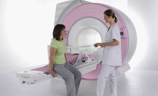 Можно ли делать МРТ при месячных: позвоночника, малого таза, головы