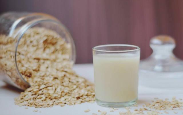 Эрозивный гастрит: лечение народными средствами, самые эффективные травы и специи, как помогает картофельный сок и мед, советы
