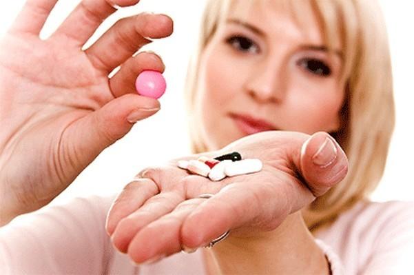 Могут ли антибиотики повлиять на месячные: возможна ли задержка, сбой цикла